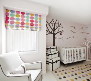 cheerful-brightly-baby-nursery-interior-design-with-white-painted-walls-be-equipped-brown-tree-wall-decals-plus-colorful-circles-window-blinds-with-black-plus-white-wall-decorations-938x840