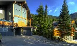 You should consider a Fall or Winter Vacation with Five Star Vacation Rentals in Big Bear California