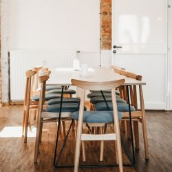 How to Find the Right Dining Table